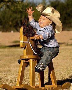 E sarai BELLISSIMO ANCHE vestito da cow boy