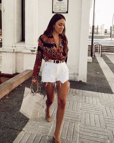 74 Beautiful Summer Outfits Perfect that You Must Try In Holiday Mode Outfits, Casual Outfits, Fashion Outfits, Womens Fashion, Fashion Trends, Fashion 2020, Casual Shorts Outfit, Fashion Online, Fashion Ideas