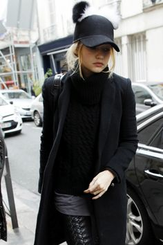 """"""" Gigi Hadid out and about in Paris (12/16/2015) """""""