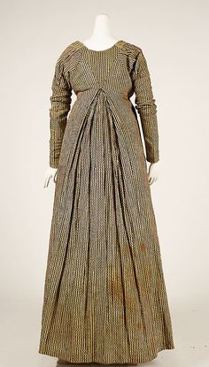 Dress (back view) Date: 1804–14 Culture: probably American Medium: cotton Accession Number: C.I.42.115.1