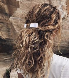 Image discovered by 𝐚𝐥𝐥𝐮𝐧𝐚𝐫𝐞. Find images and videos about hair, curly and hairtsyles on We Heart It - the app to get lost in what you love.