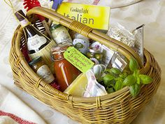 Italian Feast | Tailor this year's gift to fit perfectly by giving a basket packed with homemade treats and gourmet goodies.