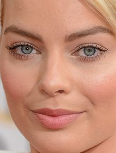 margo robbie margo robbie harley quinn suicide squad red carpet makeup celeb celebrity celebritycloseup