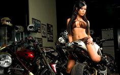 motocikly-moto-s-devushkoj-motocikl-fon--1125562.jpg (1920×1200)