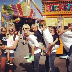 riker lynch with glasses on | Check out the headquarters for all your favorite R5 pics, all ...