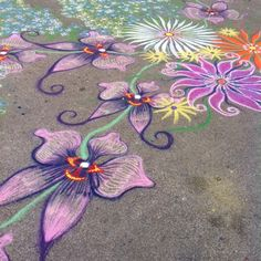 Boden Bilder Coming along at macys spring flower show. Should be about 3060 ft by end of day Chalk Art Bilder Boden Coming Day driveway Chalk art flower macys show Spring Sand Painting, Sand Art, Chalk Design, Sidewalk Chalk Art, Chalk Drawings, Flower Show, Chalkboard Art, Spring Flowers, Art Inspo