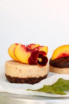 Raw Peach Chocolate Mini Cakes (grain-free & vegan)