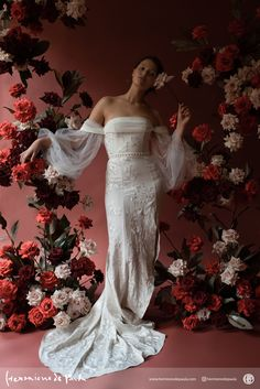 Enter the world of botanical heirloom art with Hermione de Paula. Bridal couture wedding dresses, personalised statement veils, bespoke robes and accessories collide in the unique world of HdeP