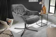 Luxusné kreslo s opierkami šedá. Relax, Retro Stil, Velvet Armchair, W Hotel, Lounges, Egg Chair, Chesterfield, Accent Chairs, Living Room