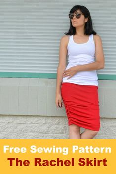 Easy knit summer skirt with ruched side seams. The skirt is a great summer project and ideal for beginners.