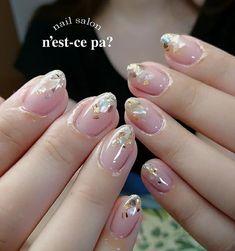 ツヤツヤクリアと美フォルムが美人度をあげてくれる、カラーレスのしっとり系シンプルネイルです。。♡シェルもナチュラルな色味をセレクトすることで、夏の景色が似合うこなれたエレガントスタイルに✨(id:3324797) French Tip Nails, Nail Tips, Pretty Nails, Nail Colors, Acrylic Nails, Nail Designs, Hair Beauty, Make Up, My Favorite Things
