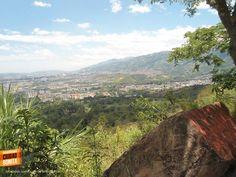 Bucaramanga vista desde el mirador de Mister Badillo. Gracias Victor Hugo Perico (https://www.facebook.com/victorhugo.pericojerena) por compartir esta foto. #bucaramangabonita