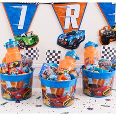 Check out the Hot Wheels Ultimate Favor Kit For 8 Guests at the official Hot Wheels website. Explore the world of Hot Wheels today! Hot Wheels Birthday, Hot Wheels Party, Race Car Birthday, Race Car Party, Monster Truck Birthday, 3rd Birthday, Hot Wheels Cake, Race Cars, Car Themed Parties