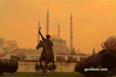 Bütün İhtişamıyla Dünya Mimarlık Tarihine Geçen Edirne Selimiye Camii ve Külliyesi Istanbul, Taj Mahal, Building, Travel, Viajes, Buildings, Traveling, Trips, Tourism