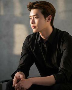 Lee Jung Suk Wallpaper, Lee Jong Suk Cute, F4 Boys Over Flowers, Kang Chul, W Two Worlds, Han Hyo Joo, Handsome Korean Actors, Joo Hyuk, Kdrama Actors