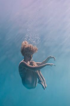 Underwater Dancing Photography In this photography series, Brett Stanley called… Girl In Water, Photo, Photography, Underwater, World Photography, Pictures Images, Photography Series, Underwater Photography, Dance Photography