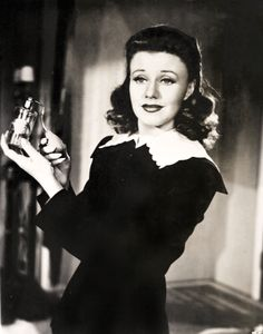 Ginger Rogers starring as 'Kitty Foyle'.