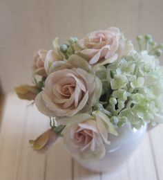 Amazing dollhouse miniature flowers, Dollhouse Rosy
