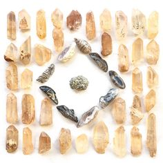 gaiacollective // T H U N D E R MOON PREP⚡️// . . Sweet #Crystal dreams to you dear #Starseeds ~ we'll be going to sleep with these #TangerineQuartz, Tumbled #AgateGeodes, and #Pyrite Clusters swimming through our minds! Get ready for a super-charged #ThunderMoon with these stunners ~ bound to zap you straight back to Self, authentically & lovingly. ⚡️☄️💥💛 . 〰 PS: all three crystals available only in the regular #MoonBox subscription, tangerine & agate will be featured in the mini. All…