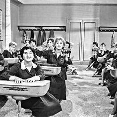 Finos Film - Photo Gallery Ταινίας: 'Το Ξύλο Βγήκε Από Τον Παράδεισο' (1959) Horror Movies, Che Guevara, Greek, Cinema, Animation, Actresses, Actors, Life, Stage