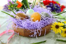 A Guide to Natural Dyes for an Epic Easter Egg Hunt