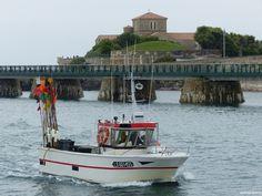 Caseyeur rentrant au port des Sables d'Olonne