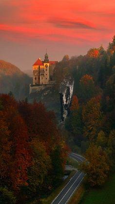 Pieskowa Skała Castle near Sułoszowa in Ojców National Park, Poland • photo: Pawel Kucharski on 500px: