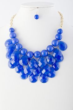Olivia Acrylic Droplet Cluster Necklace | The Shopping Bag