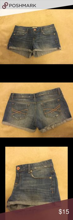 Medium wash Shortie Shorts Worn once while on vacation last summer, in perfect condition! They do have some stretch...but run more like a 7. As you can see from the photos they are pretty short! Feel free to shoot me any questions or make an offer! Prices are negotiable! Aeropostale Shorts Jean Shorts
