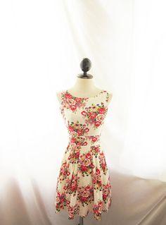 Classic Shift Flare Skater Dress Audrey Hepburn por RiverOfRomansk, $39.85