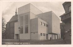 Photographs of Czech and Slovak functionalist architecture Theater, Prague, Czech Republic, Functionalism, Building, Photographs, Art Deco, 3d, Vintage