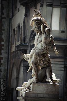Le viol de Polyxena Some sort of sole determine sitting it is travel involving tightly Roman Sculpture, Art Sculpture, Bronze Sculpture, Michelangelo Sculpture, Bernini Sculpture, Ancient Greek Sculpture, Greek Statues, Ancient Art, Gott Tattoos