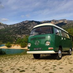 Instagram foto by by 69campers Estée taking in the stunning Gorges du Verdon #69campers #provence #france #retro #cool #vintage #roadtrip #camping #holiday #vacation #vanlife #vw #vwcombi #vwcamper #explore #adventure #usa #canada #urlaub #wohnwagen...