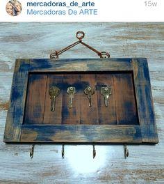 Porta chaves com madeira de demolição