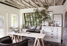 "Leanne Ford on Instagram: ""Who says your office has to FEEL like an #office. You can create any experience you want with a little bit of imagination. (Budget and…"" Interior Exterior, Interior Design, Rustic Canyon, Log Wall, Style Rustique, Los Angeles Homes, Wood Beams, Cuisines Design, Modern Rustic"