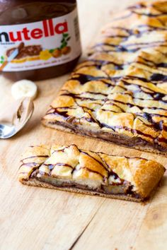 Nutella, Peanut Butter and Banana Breakfast Braid - plus a collection of both sweet and savory recipes using Crescent Roll dough! Banana Breakfast, Sweet Breakfast, Breakfast Recipes, Dessert Recipes, Nutella Breakfast, Breakfast Bars, Easy To Make Breakfast, Delicious Desserts, Yummy Food