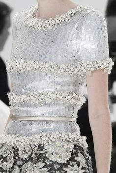 Details at Chanel Couture F/W 2014 Couture Mode, Style Couture, Couture Details, Fashion Details, Couture Fashion, Runway Fashion, High Fashion, Fashion Show, Fashion Design
