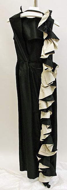 early 80s Madame Gres Evening dress Metropolitan Museum of Art, NY