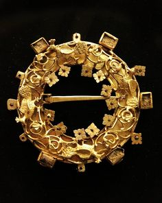 medievalvisions:  Intricate gold brooch. Hungary, 12th-13th century. Courtesy of the Hungarian National Museum.