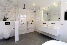 Black and white bathroom l Freestanding bath l Matte black tapware