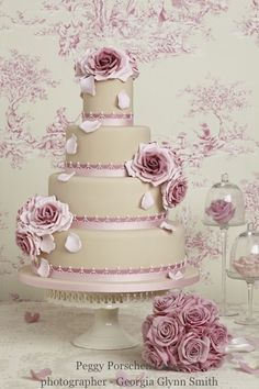 Peggy Porschen Cakes has a selection of Birthday cakes and cupcakes. Fondant Wedding Cakes, Wedding Cake Roses, Beautiful Wedding Cakes, Gorgeous Cakes, Pretty Cakes, Amazing Cakes, Rose Wedding, Cake Fondant, Ivory Wedding