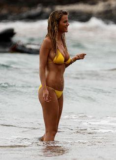 Brooklyn Decker Bikini Sports Illustrated Hot Blondes Supermodels Bra Curves