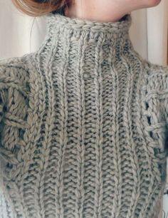 chunky knit pullover w/ turtleneck Chunky Knitting Patterns, Knitting Designs, Knitting Projects, Hand Knitting, Crochet Patterns, Knitting Ideas, Knit Fashion, Pulls, Knit Crochet