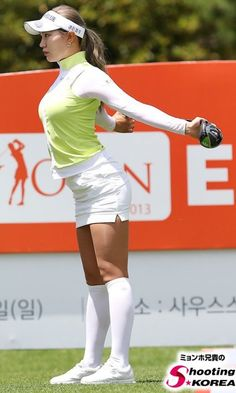Helpful Golf Tips That Make You Better. Photo by D-Stanley Not sure what golf is all about? Girl Golf Outfit, Cute Golf Outfit, Girls Golf, Ladies Golf, Women Golf, Lpga Golf, Sexy Golf, Golf Training Aids, Korea