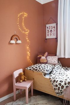 Childrens Room, Hanging Mobile, Little Girl Rooms, Kidsroom, Diy Party, Room Inspiration, Interior And Exterior, Cribs, Nursery Decor