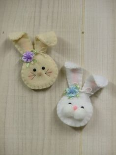 Signs of Spring: Bunny Pin/Magnet | Fieltro - Felt | Pinterest