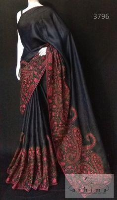 New dress silk satin beautiful ideas Simple Sarees, Trendy Sarees, Stylish Sarees, Fancy Sarees, Saree Blouse Neck Designs, Saree Blouse Patterns, Dress Neck Designs, Cutwork Saree, Tussar Silk Saree