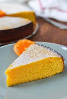 Flourless Clementine Cake | www.themodernbuttery.com