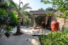 Rock House: A Weekend Villa Near Ahmedabad, India by tHE gRID Architects