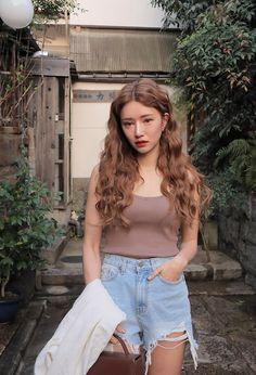 Find images and videos about model, ulzzang and kfashion on We Heart It - the app to get lost in what you love. Permed Hairstyles, Pretty Hairstyles, Ulzzang Fashion, Korean Fashion, Korean Hair Color, Korean Wavy Hair, Ulzzang Hair, Aesthetic Hair, Uzzlang Girl